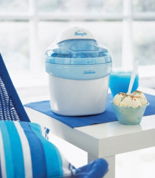Sunbeam Snowy Frozen Dessert Maker